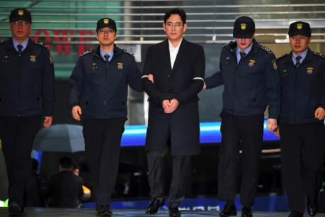 Bê bối chính trị tại Hàn Quốc: Xét xử Phó Chủ tịch Samsung Lee Jae-yong