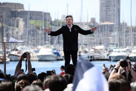 Bầu cử tổng thống Pháp: Ứng cử viên Melenchon vươn lên vị trí thứ 3