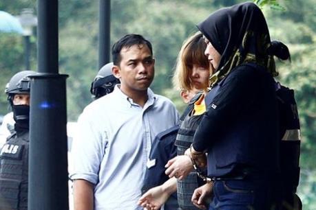 Bố nghi phạm Đoàn Thị Hương sang Malaysia thăm con gái trước ngày xét xử