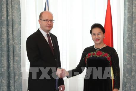 Chủ tịch Quốc hội Nguyễn Thị Kim Ngân hội kiến Thủ tướng CH Czech