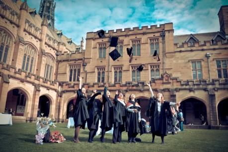 Sinh viên các trường đại học hàng đầu của Australia chưa hài lòng về trường của mình