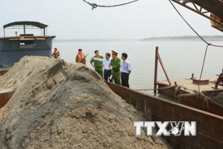 Vĩnh Phúc: Kiểm tra, xử lý những sai phạm trong hoạt động khai thác cát trên sông Hồng