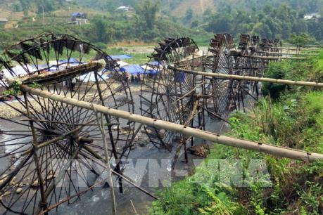 """Khách du lịch thập phương """"ùn ùn"""" đến với bản Nà Khương, tỉnh Lai Châu"""