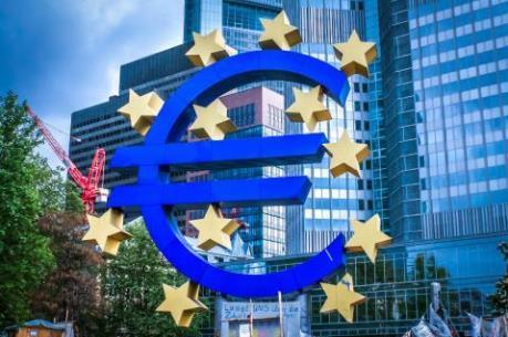 EU nâng dự báo tăng trưởng kinh tế của Eurozone