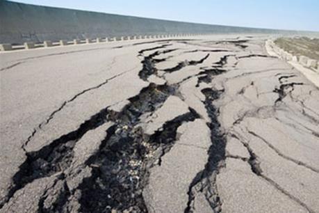 Lở đất tại Trung Quốc, động đất ở Philippines và Chile