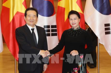 Chủ tịch Quốc hội Nguyễn Thị Kim Ngân đón Chủ tịch Quốc hội Hàn Quốc Chung Sye-kyun