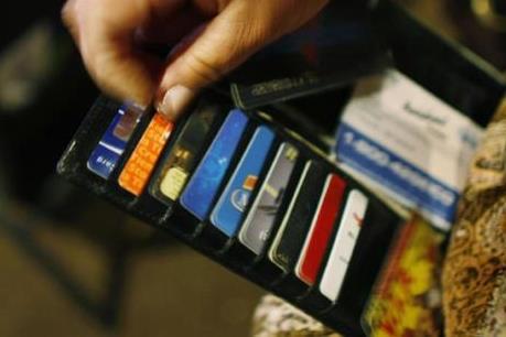 Sôi động cuộc đua giành thị phần thẻ tín dụng