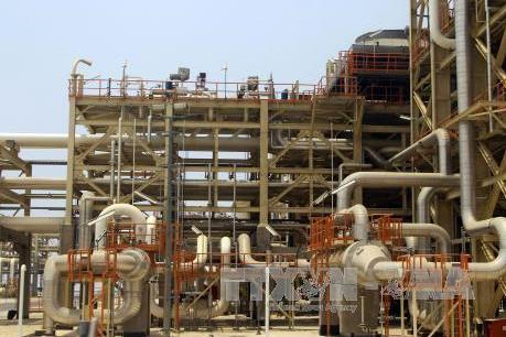 Giá dầu châu Á dao động quanh mức thấp nhất nhiều tuần phiên 3/9