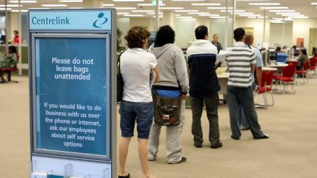 """Hệ thống phúc lợi của Australia quá """"hào phóng""""?"""