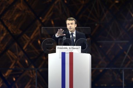 Pháp: Tổng thống đắc cử Macron từ chức Chủ tịch phong trào Tiến bước