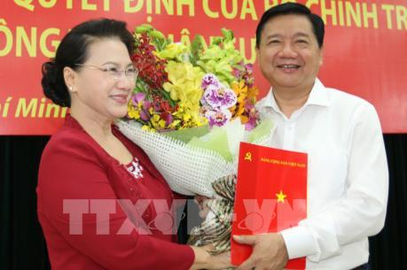 Công bố Quyết định đồng chí Đinh La Thăng giữ chức vụ Phó ban Kinh tế Trung ương