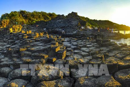Khám phá không gian du lịch văn hóa đá độc đáo ở Phú Yên
