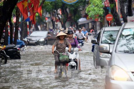 Mưa lớn đầu mùa gây ngập nhiều khu vực tại Tp. Hồ Chí Minh