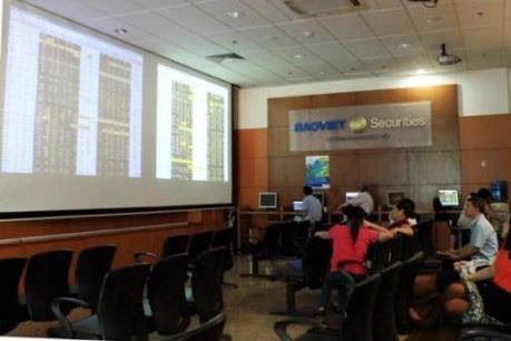 Thị trường chứng khoán tuần qua: VN - Index mất mốc 1.000 điểm