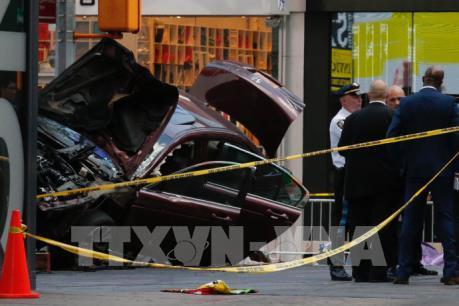 Xe điên lao vào đám đông tại Quảng trường Thời đại, New York, 23 người thương vong