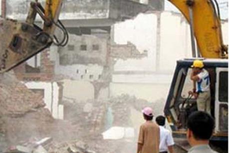 Cưỡng chế tháo dỡ nhà xây dựng trái phép để chờ tiền đền bù