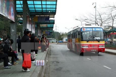 Hà Nội: Xe buýt đưa đón học sinh liệu có khả thi?