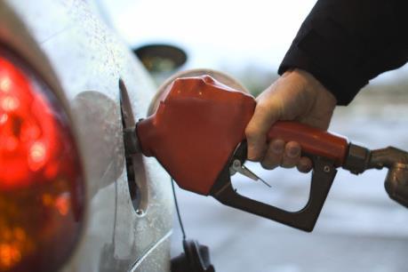 Pha trộn xăng dầu để trục lợi, phạt từ 60 – 100 triệu đồng