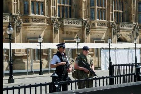 Đánh bom khủng bố tại Manchester: Bắt giữ thêm nhiều đối tượng tình nghi