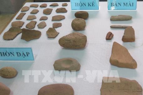 Nhiều cổ vật khai quật khảo cổ lần thứ 3 di chỉ vườn Đình Khuê Bắc