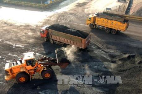 Nhu cầu nhập khẩu than của Trung Quốc và Ấn Độ giảm sút