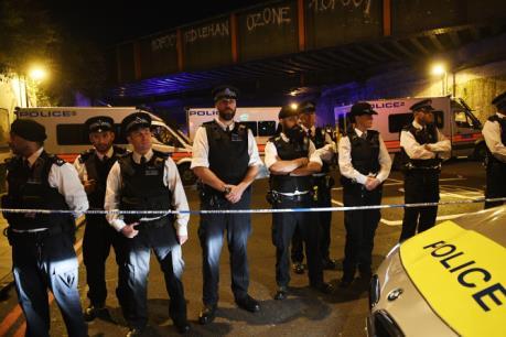 Vụ lao xe tải vào người đi bộ ở Anh: Thêm người bị tấn công gần đền thờ FinsburyPark