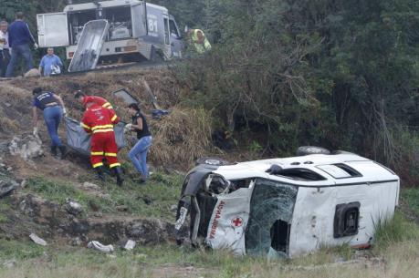 Tai nạn giao thông liên hoàn, ít nhất 34 người thương vong