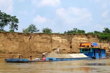 """Nhức nhối nạn """"cát tặc"""" ở giáp ranh Tuyên Quang - Yên Bái"""