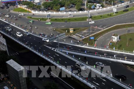 Thông xe cầu vượt thép vào sân bay Tân Sơn Nhất và nút giao Nguyễn Thái Sơn