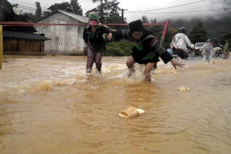 Hàng trăm hộ dân ở Lai Châu bị cô lập trong mưa lũ