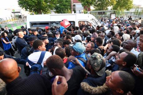 Pháp cưỡng chế di dời hàng nghìn người nhập cư