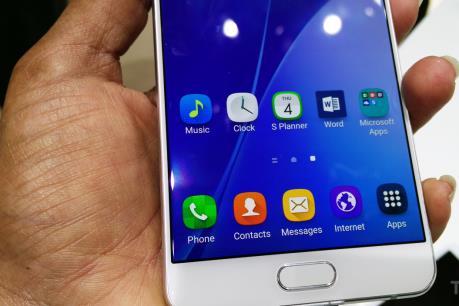 """Samsung """"trình làng"""" điện thoại tầm trung Galaxy A7"""