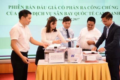 Đấu giá Công ty cổ phần Dịch vụ Sân bay Quốc tế Cam Ranh