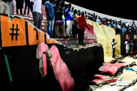 Sập tường sân vận động tại Senegal gây thương vong nghiêm trọng