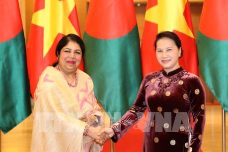 Chủ tịch Quốc hội Nguyễn Thị Kim Ngân hội đàm với Chủ tịch Quốc hội Bangladesh