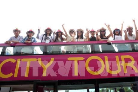 Xe buýt hai tầng chở khách tham quan miễn phí thành phố Đà Nẵng