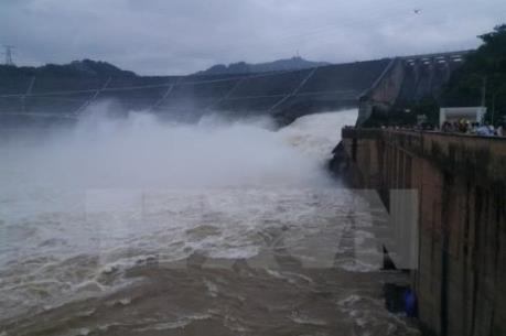 7 giờ ngày 10/9, Thủy điện Sơn La và Thủy điện Hoà Bình mở thêm 1 cửa xả đáy