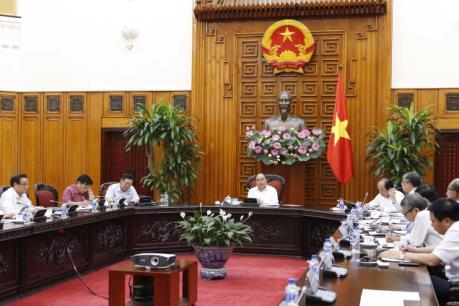 Thủ tướng làm việc với Tổ tư vấn kinh tế của Chính phủ
