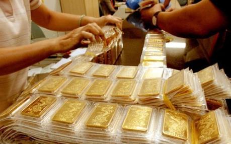Giá vàng tuần qua: Giảm tương đối, giao dịch mức trung bình