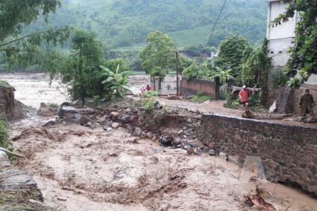 Ít nhất 20 người chết, mất tích và nhiều thiệt hại nghiêm trọng do mưa lũ