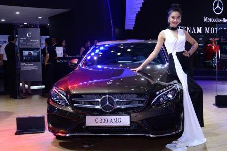 Mercedes-Benz trình làng GLA và C-Class mới tại triển lãm ô tô Việt Nam