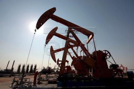 Giá dầu thế giới tăng khoảng 3% trong tuần qua