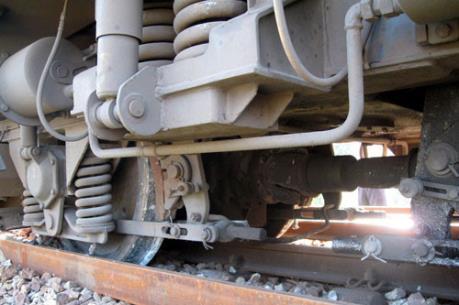 Chưa rõ nguyên nhân sự cố tàu hỏa chở hơn 100 hành khách bị trật bánh tại Hà Nội