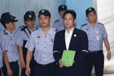 Phó Chủ tịch Tập đoàn điện tử Samsung lĩnh án 12 năm tù giam