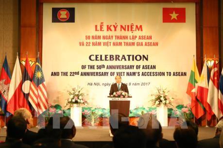 Thủ tướng Nguyễn Xuân Phúc dự Lễ kỷ niệm 50 năm ngày thành lập ASEAN