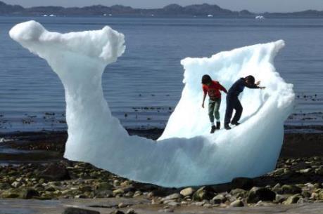 Băng tại Greenland không ngừng tan chảy