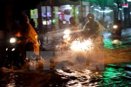 Dự báo thời tiết ba ngày tới: Nam Trung Bộ đến Nam bộ đề phòng dông kèm tố lốc