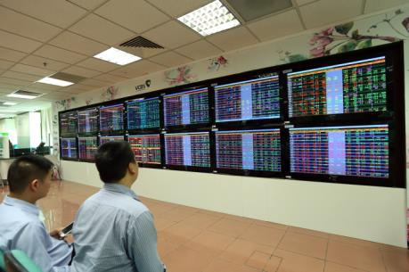 Chứng khoán tuần từ 21-25/8: Thị trường còn nhiều rủi ro giảm điểm