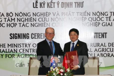 APEC 2017: Việt Nam và Úc ký hợp tác nghiên cứu trong lĩnh vực nông nghiệp