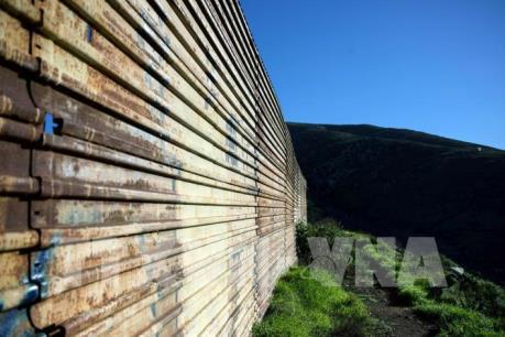 Bang California kiện chính quyền Tổng thống Mỹ về xây tường biên giới